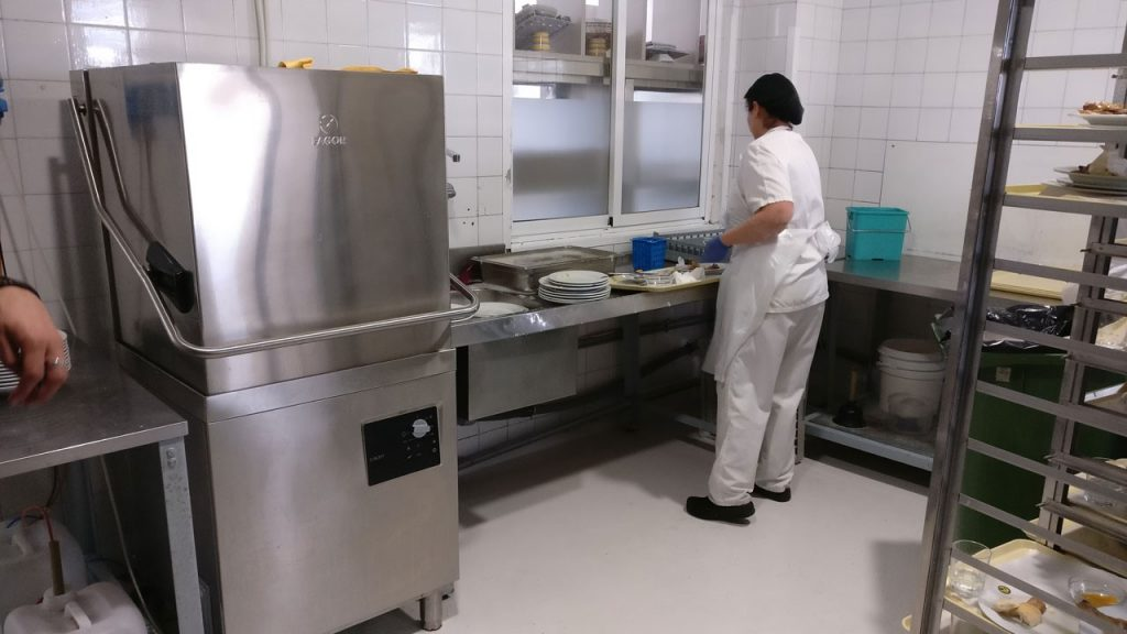 Demo 2 - Rucab campus kitchen washing room